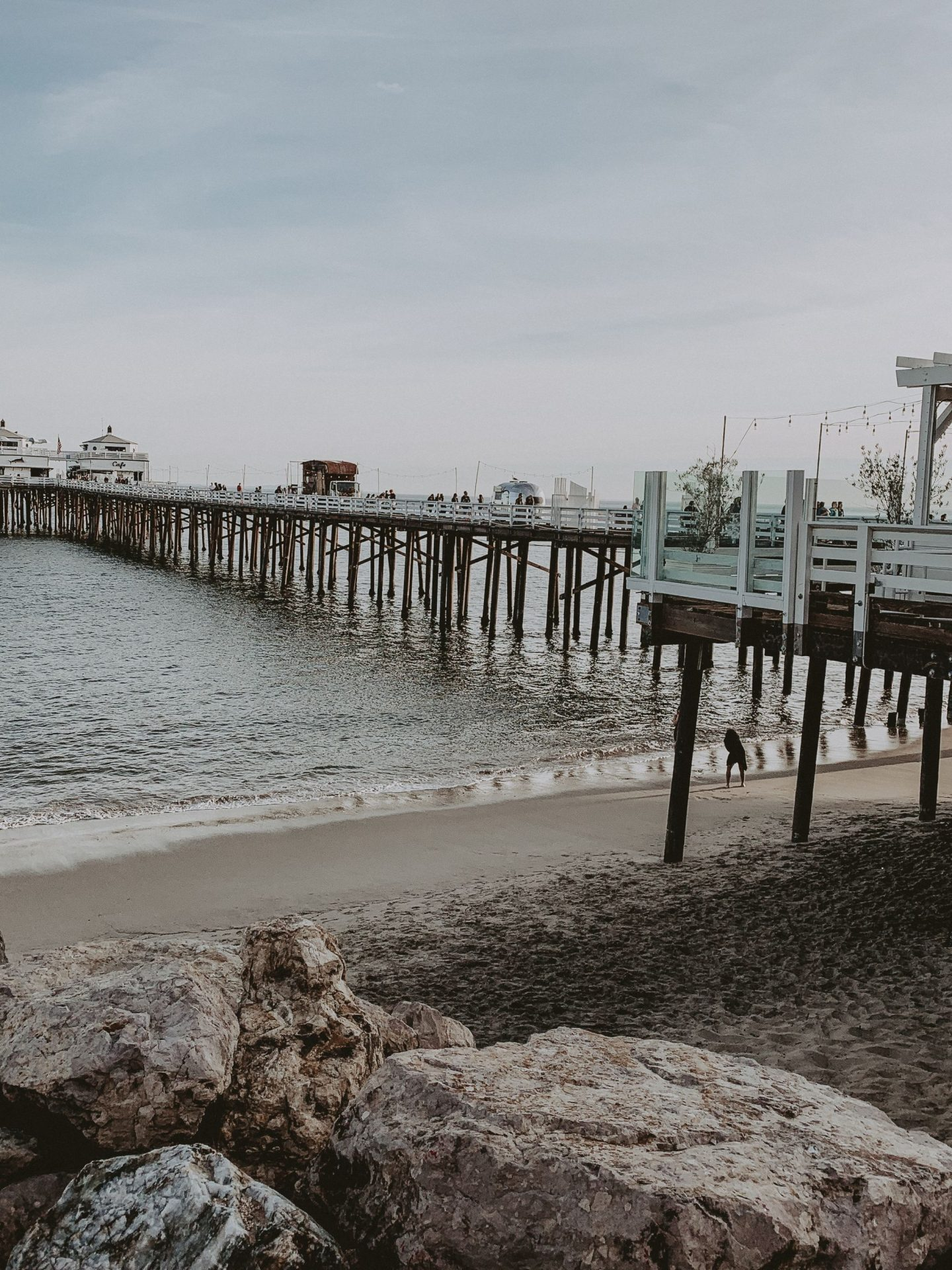 malibu pier instagram blog fashion cathclaire